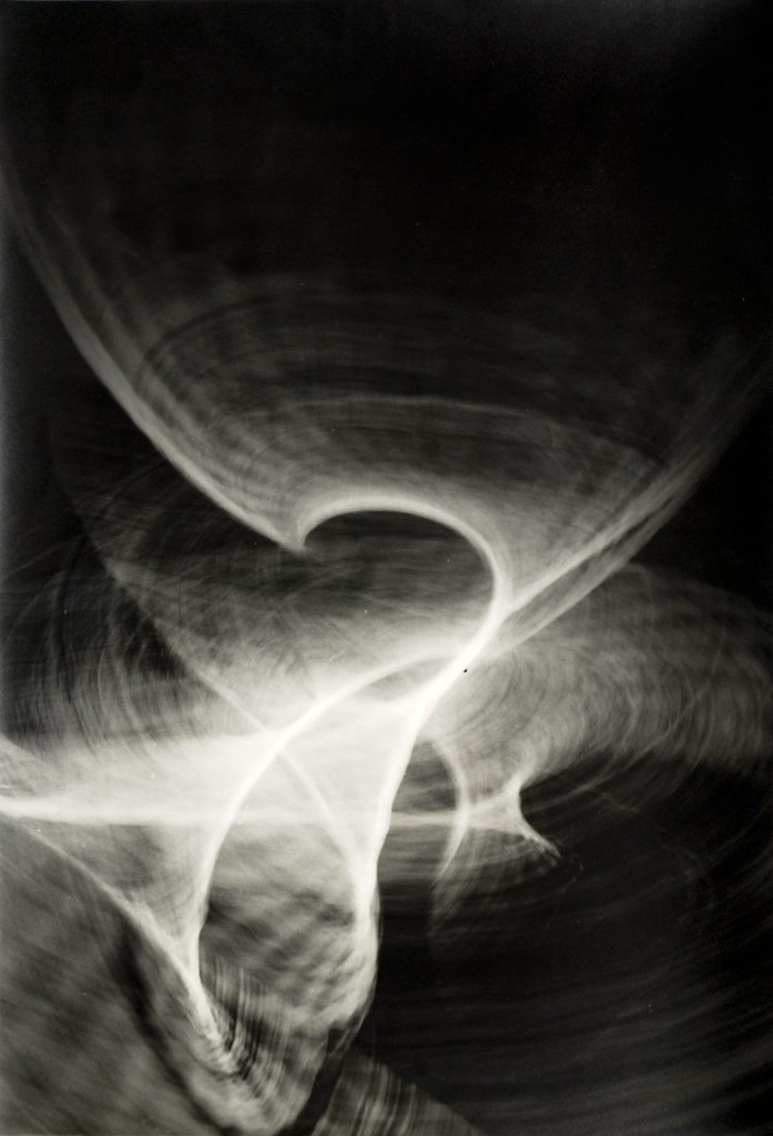 Before 1976 32,0 x 46,3 cm Original silver print made by the artist