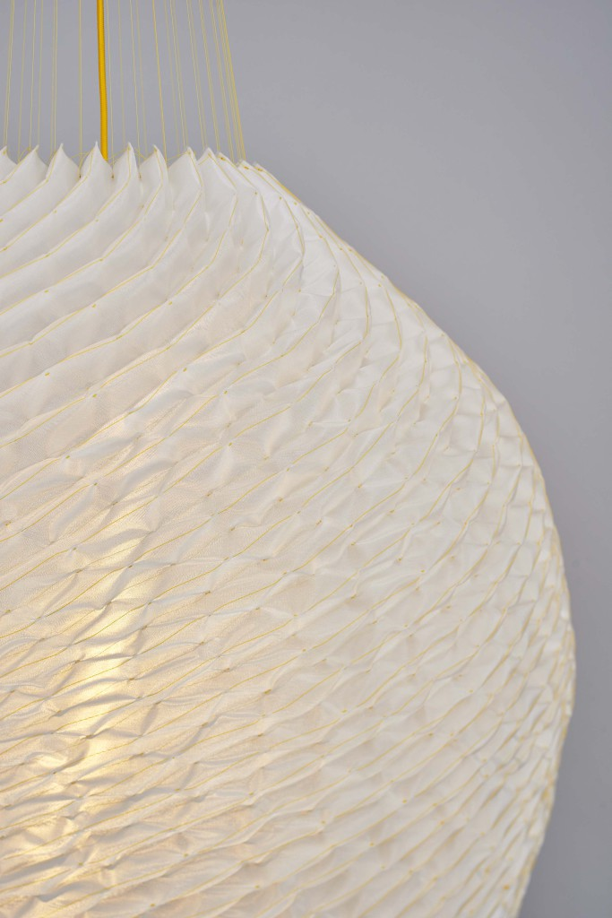 Sound absorbing pendant Textile, polyester threads. Diameter 80 cm / height adjustable limited edition of 12