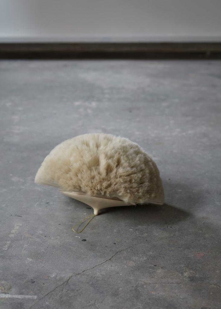 Sculpture Maple, goat-hair, thread 28 x 17 cm