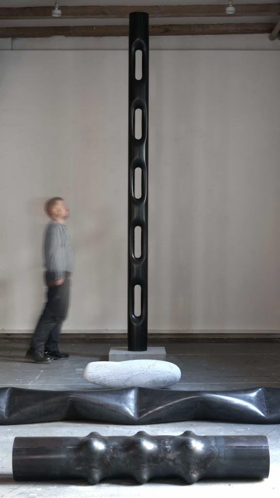 Totem, 2018 Sculpture Steel tube 370 x 21 cm