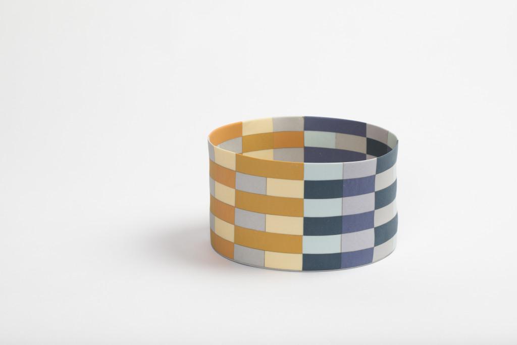 Ceramic 18 x 9.6 cm