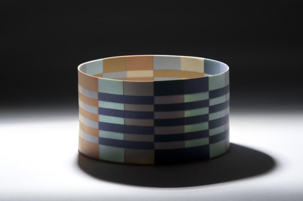 Ceramic 17.5/18.3 x 10.3 cm