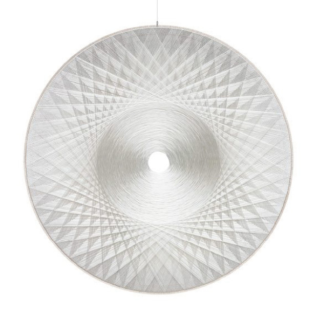Thread sculpture, sound-absorbing Polyester, thread, wood, glass fiber Diameter: 200 cm Depth: 5 cm Unique piece