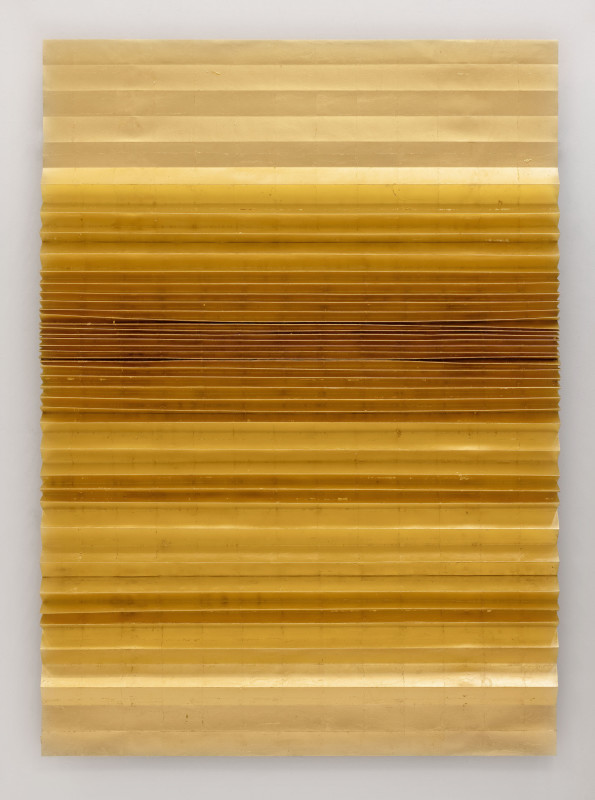 2020 Gold leafs, pleated paper 140 x 100 x 5 cm Unique piece